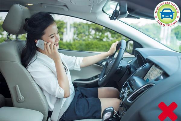 Giữ tập trung khi lái xe