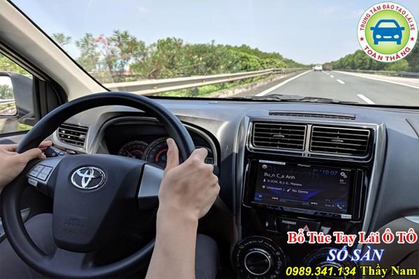 Các cách đánh lái và trả lái hiệu quả