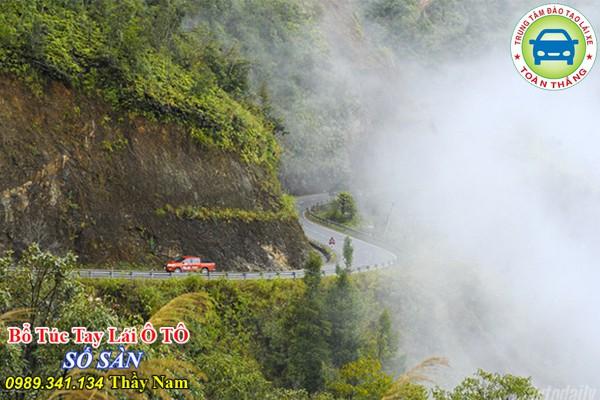 Kinh nghiệm lái ô tô đường đồi núi