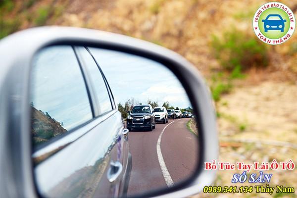 lái xe ô tô đường núi