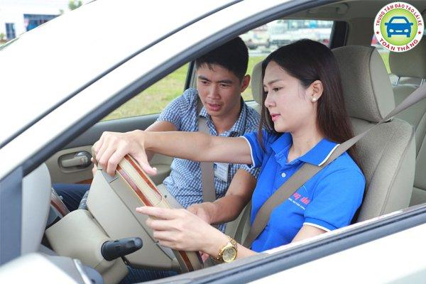 chi phí học lái xe b2