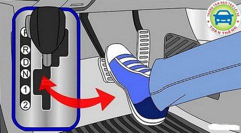 kỹ thuật khởi động xe đúng cách