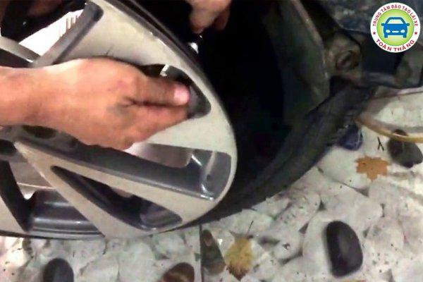 Những loại cảm biến lốp ô tô